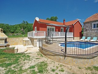2 bedroom Villa in Perišići, Splitsko-Dalmatinska Županija, Croatia : ref 551994