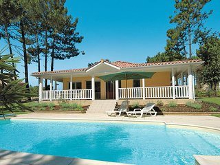2 bedroom Villa in Lacanau, Nouvelle-Aquitaine, France : ref 5434896
