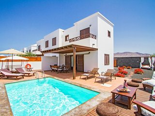 3 bedroom Villa in Playa Blanca, Canary Islands, Spain : ref 5334689