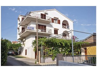 4 bedroom Apartment in Grgomičić, Zadarska Županija, Croatia : ref 5562871