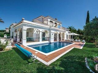 4 bedroom Villa in Quinta do Lago, Faro, Portugal : ref 5433318