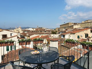 Borgo Tegolaio Terrace, a Modern sophistication in old Florence
