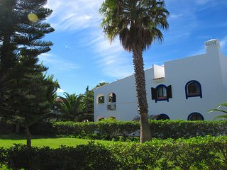 2 bedroom Apartment in Vale do Garrao, Faro, Portugal : ref 5607811