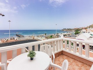 Fantastic beachfront apartment on Fanabe beach.