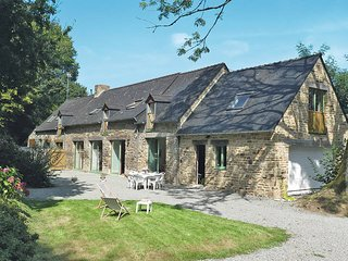 4 bedroom Villa in Fouesnant, Brittany, France - 5438126