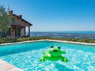 3 bedroom Villa in Corsanico-Bargecchia, Tuscany, Italy : ref 5447644