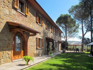 2 bedroom Apartment in Lamporecchio, Tuscany, Italy : ref 5446866