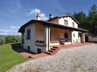 4 bedroom Villa in Valfabbrica, Umbria, Italy : ref 5540880