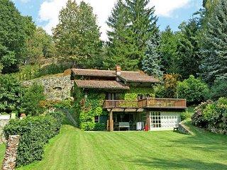 3 bedroom Villa in Montalto Dora, Piedmont, Italy : ref 5443200