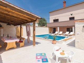 2 bedroom Villa in Manjadvorci, Istria, Croatia : ref 5537718