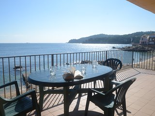 Calella de Palafrugell Apartment Sleeps 5 with Air Con - 5425219