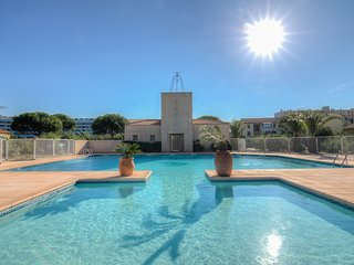 2 bedroom Apartment in Saint-Cyprien-Plage, Occitania, France : ref 5585935