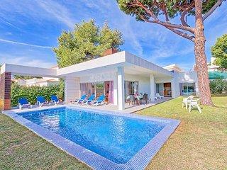 3 bedroom Villa in Branqueira, Faro, Portugal : ref 5504671