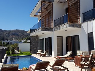 LARGE LUXURY VILLA WITH PRIVATE POOL IN BODRUM-YALIKAVAK MARINA