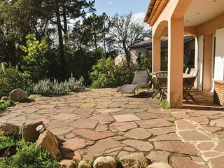 3 bedroom Villa in Palavese, Corsica, France : ref 5571490