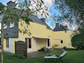 3 bedroom Villa in Trégastel, Brittany, France : ref 5436344