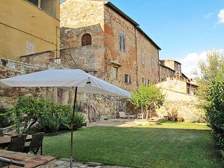 2 bedroom Villa in Colle di Val d'Elsa, Tuscany, Italy : ref 5447405