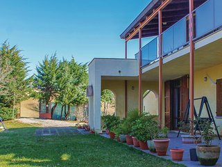 2 bedroom Villa in Casa Rotonda, The Marches, Italy : ref 5574181