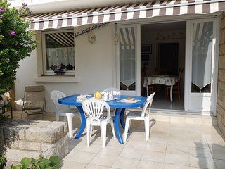 3 bedroom Apartment in Quiberon, Brittany, France : ref 5559923