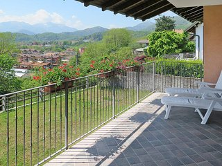 2 bedroom Apartment in Cambiasca, Piedmont, Italy : ref 5440868