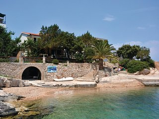 3 bedroom Villa in Pokrivenik, , Croatia : ref 5562542