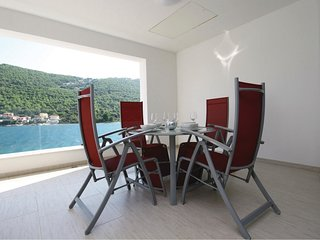 2 bedroom Apartment in Baselovici, Sibensko-Kninska Zupanija, Croatia : ref 5526