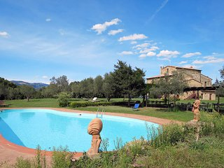 4 bedroom Apartment in Montorio, Tuscany, Italy : ref 5447033