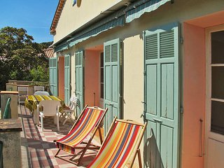 3 bedroom Apartment in Sanary-sur-Mer, Provence-Alpes-Cote d'Azur, France : ref