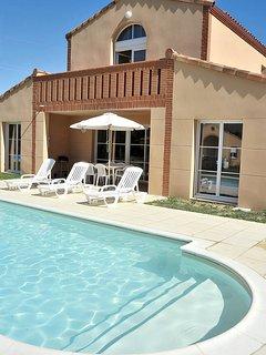 2 bedroom Villa in Bout-du-Pont-de-Larn, Occitania, France : ref 5646328