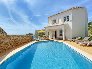 3 bedroom Villa in Cerro de Águia, Faro, Portugal : ref 5334385