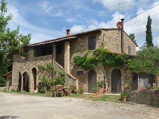 2 bedroom Villa in San Gimignano, Tuscany, Italy : ref 5240855