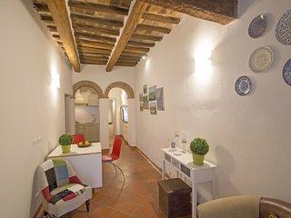 1 bedroom Apartment in San Gimignano, Tuscany, Italy : ref 5606919