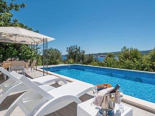 3 bedroom Villa in Kuciste, Dubrovacko-Neretvanska Zupanija, Croatia : ref 55363