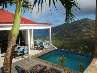 Overlook Coral Bay Harbor, close to North Shore beaches, private pool w/views.
