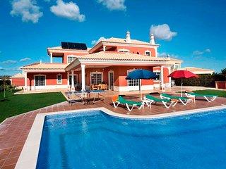 4 bedroom Villa in Roja- Pe, Faro, Portugal : ref 5238000