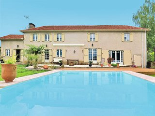 5 bedroom Villa in Nassiet, Nouvelle-Aquitaine, France : ref 5435005