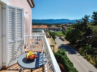 2 bedroom Apartment in Vrboska, Splitsko-Dalmatinska Županija, Croatia : ref 554