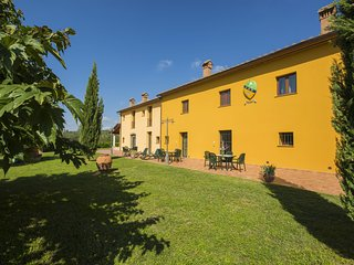 2 bedroom Apartment in Capraia e Limite, Tuscany, Italy : ref 5537838