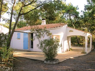 2 bedroom Villa in LAiguillon-sur-Mer, Pays de la Loire, France : ref 5552190