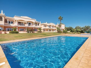 2 bedroom Apartment in Benagil, Faro, Portugal : ref 5552212