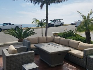 2 Bedroom with Oceanviews and steps to the beach! Pet Friendly!!