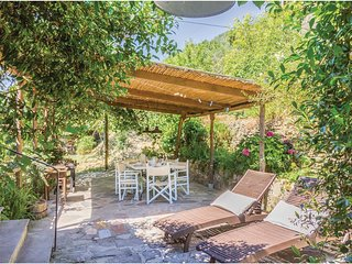 3 bedroom Villa in Ortonovo, Liguria, Italy : ref 5546486