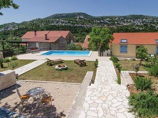 2 bedroom Villa in Prizdrina, Dubrovacko-Neretvanska Zupanija, Croatia : ref 556