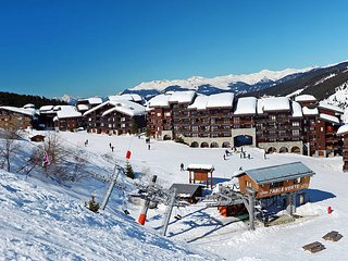 2 bedroom Apartment in Meribel Mottaret, Auvergne-Rhone-Alpes, France : ref 5445