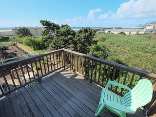 Ocean View , Close to Casino , backs to wildlife green space  Hot Tub