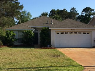 3BR House 4 Blocks from Beach!