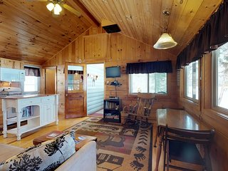 Well-appointed, cozy lakefront cabin with peaceful location still close to town!