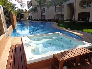 BEST LOCATION!!! PRIVATE STUDIO WITH POOL & JACUZZI
