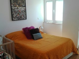 Caparica Beach Apartment - 1 Bedroom / Sleeps 4 (2 bedroom + 2  living room)