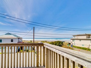 Charming, spacious home w/ wood fireplace & ocean views - 1 min walk to beach!